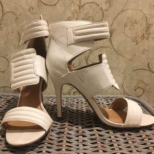 White sandals, sexy & soft, cute heels